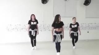 رقص بنات على مهرجان اوكا واورتيجا العب يلا جديد و لا تنسى الاعجاب والاشتراك في القناه