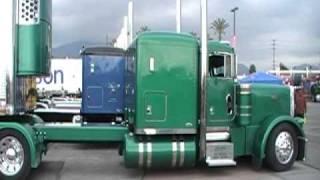 Parking A Peterbilt In A Tight Spot Truckin