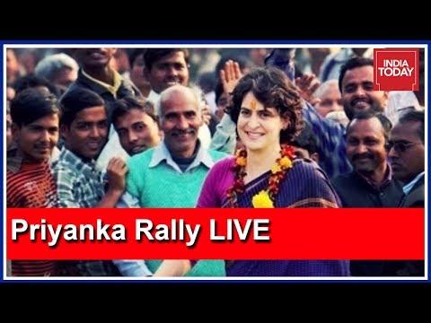 Priyanka Roadshow LIVE: Priyanka Reaches Rahul Gandhi's Delhi Residence