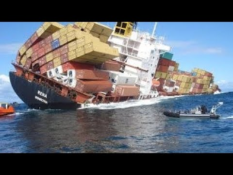 TOP 30 SHIPS in STORM ! Horrible Moments at Sea ! Incredible Video You Must See!