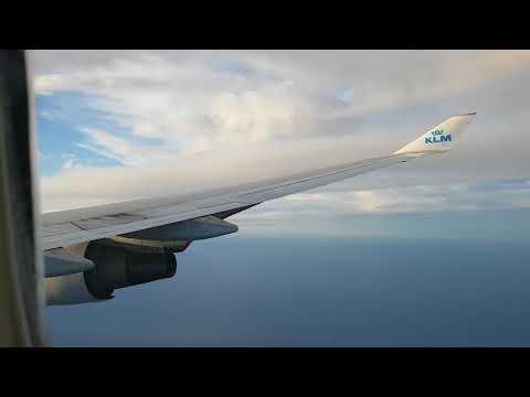 KLM  arrives in Amsterdam 1 october 2017