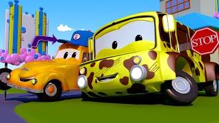 Lily el Bus - El lavado de Autos de Tom La Grúa 🛀 Dibujos animados de carros