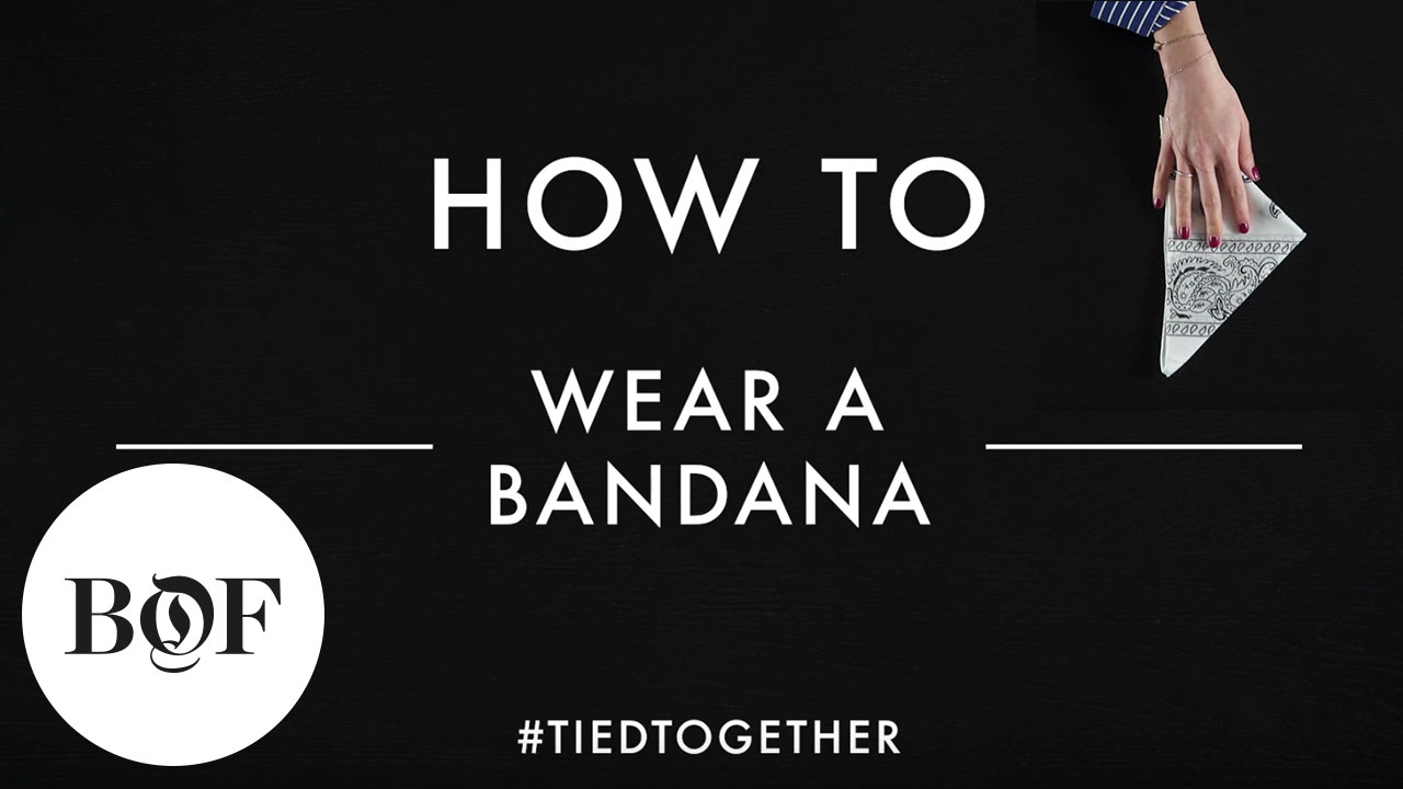 how to wear a bandana for a restaurant
