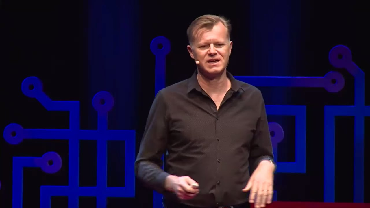 How to be human in the age of social media | Michael Casey ...