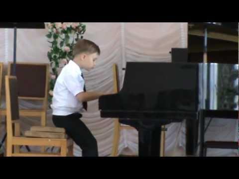 Чайковский Игра в лошадки.  Класс фортепиано - 7лет.