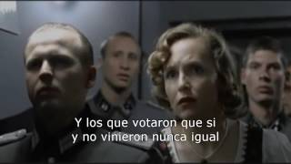 Hitler se entera de que ganó el no a la toma del Aplica