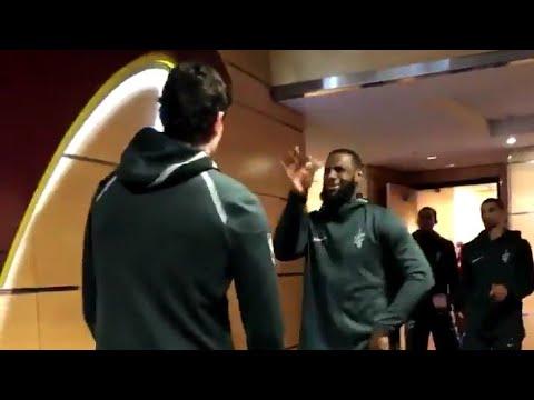 LeBron James maç öncesi Cedi Osman'ı dans ettiriyor :)