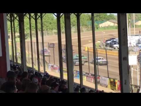7W Racing Purestock Heat 6-3-17 Viking Speedway