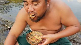 Primitive Technology - eat watermelon see chicken      - take to cook   eating delicious