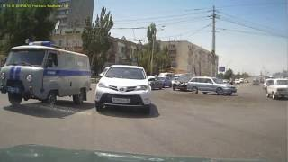 Авария Савушкина - Анри Барбюса. Полицейский УАЗ и Раф4. ДТП Астрахань