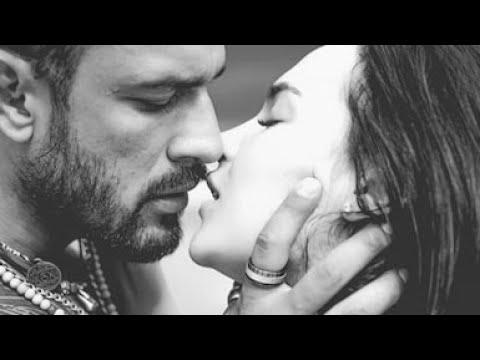 New hot kissing💃whatsapp status video lip kiss hot