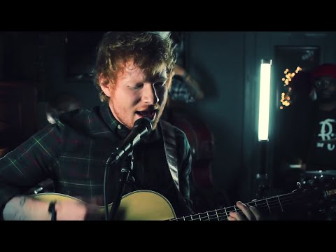 Smashed It: Ed Sheeran Performs Acoustic Version Of 'Trap Queen'!
