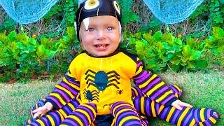 Download Детская песня на Хэллоуин  - Магия Хэллоуина. Песни для детей от Майи и Маши. Mp3 and Videos