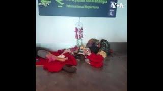 东南亚多国实行封关 游客被困机场进退两难