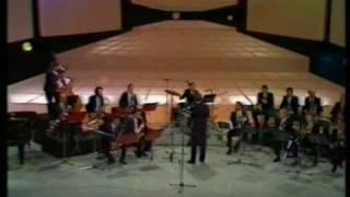 Jose Susi con la Big Band de Pedro Iturralde en TVE (1985) - In the mood - Glenn Miller.mpg
