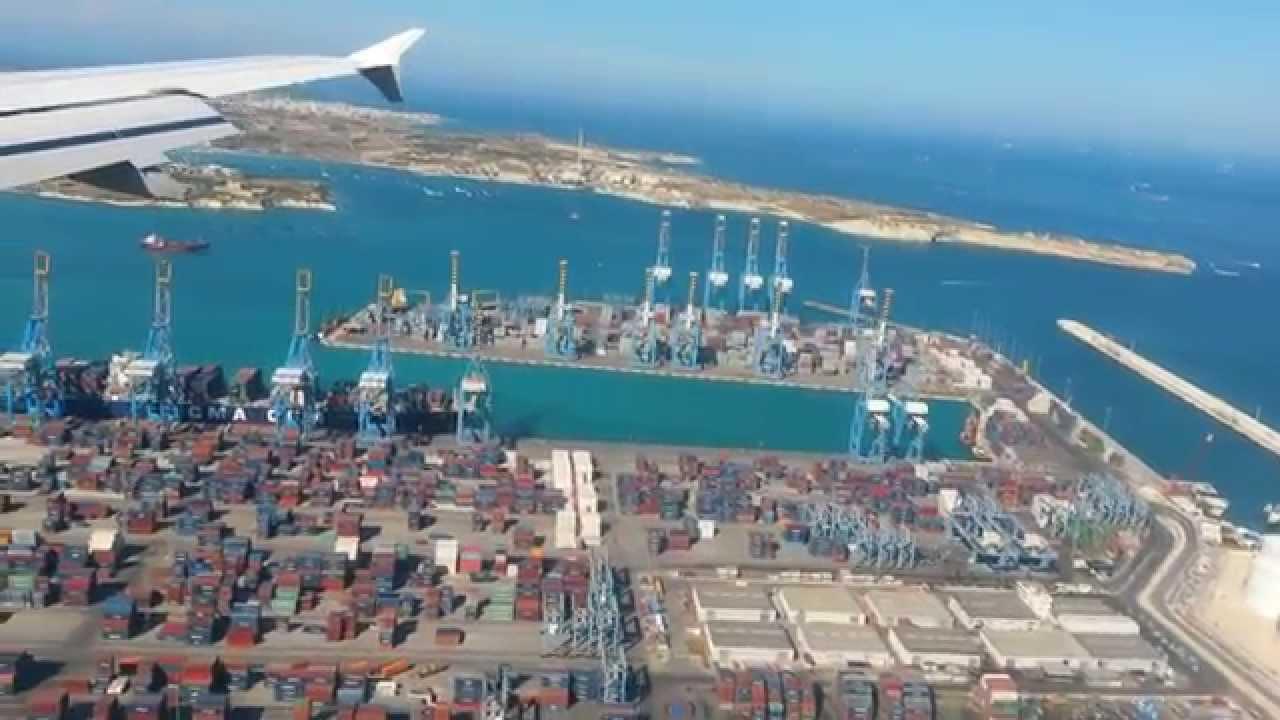 Aeroporto Malta : Luqa airport malta landing youtube