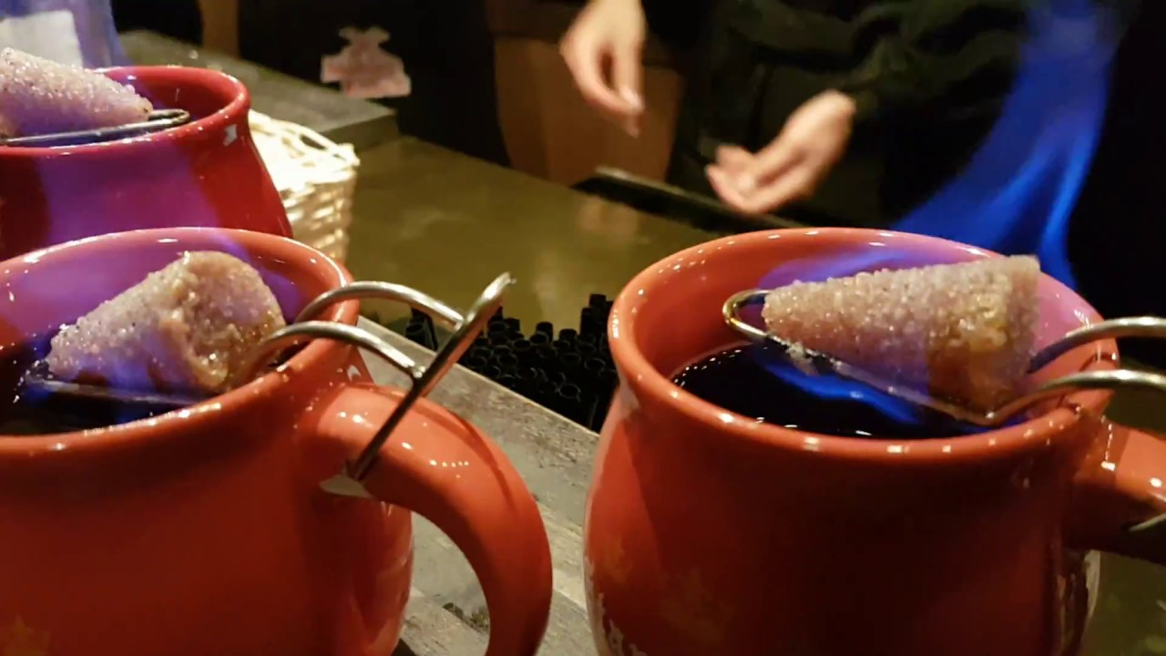 Mulled Wine Christmas Market.Feuerzangenbowle Specialist Mulled Wine In German Christmas Market Cologne