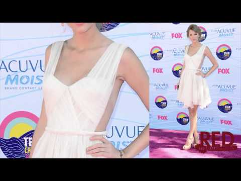 Taylor Swift Teen Choice Awards 2012: The Details on Her Gorgeous Dress!