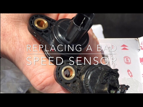 How to replace speed Sensor on 2005 Kia Rio 16L Automatic - YouTube