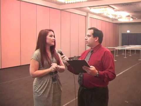 Jamie Marchi at Anime Central 2012 - YouTube