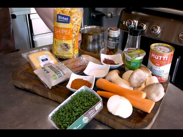 Schmortopf mit Landjäger/Möhren/Pilzen/Pasta  #GRILLDOCHEINFACH