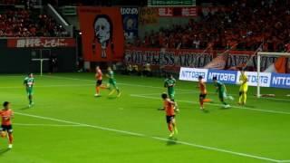 前半18分、MF8レオ・シルバの右足FKはGK1加藤順大がセーブ。