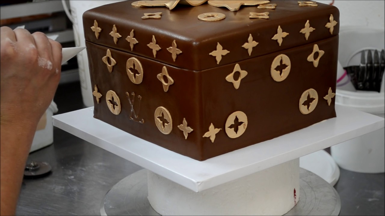 ccb11be46e4 How to make Louis Vuitton Cake - YouTube