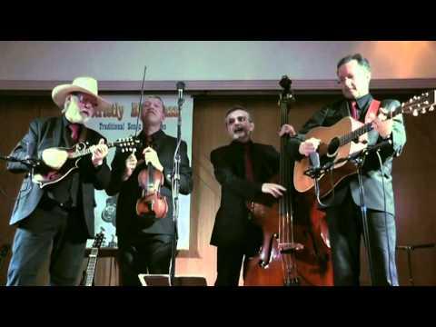 Strictly Bluegrass - A Walk In The Irish Rain