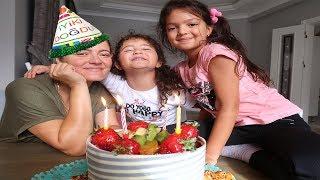 Anneme Sürpriz DOĞUMGÜNÜ Partisi ! Mother's Surprise Birthday - Fun Kids Video