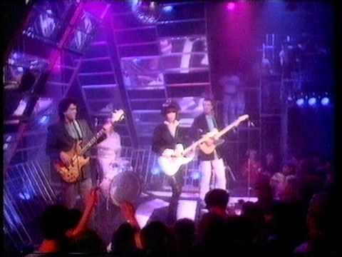 The Pretenders - 2000 Miles. Top Of The POps 1983
