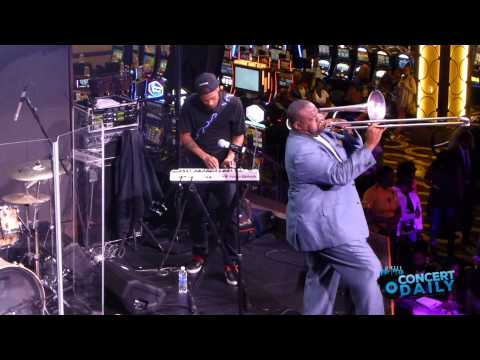 Jeff Bradshaw performs I Get Lonely live at Jazzy Summer Nights