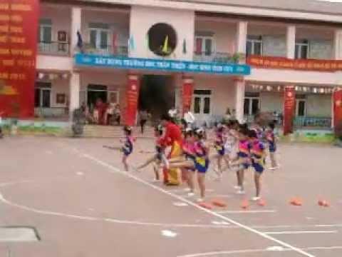 Đồng diễn Thể dục nhịp điệu mầm non - Đại hội thể thao xã Vĩnh Quỳnh năm 2013