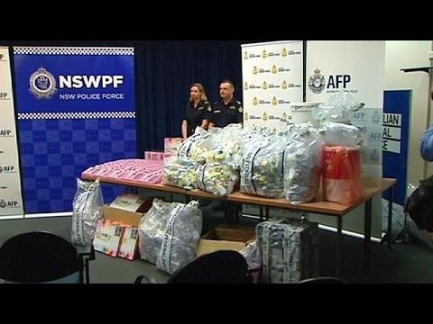Sütyen Içinde 720 Litre Uyuşturucu Buldular