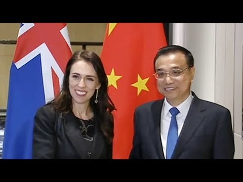 Li Keqiang meets prime ministers of Cambodia, New Zealand