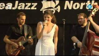 "Nikki Yanofsky - ""Wind Cries Mary"" (North Sea Jazz 2010)"