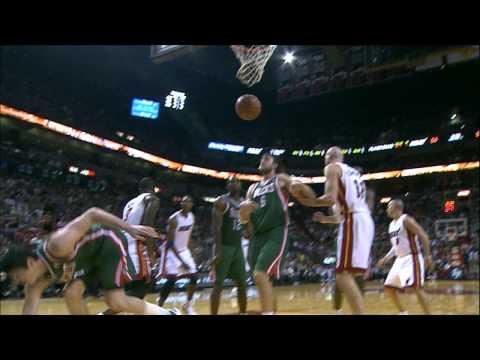 D-Wade pulls a Blake Griffin with this amazing put-back