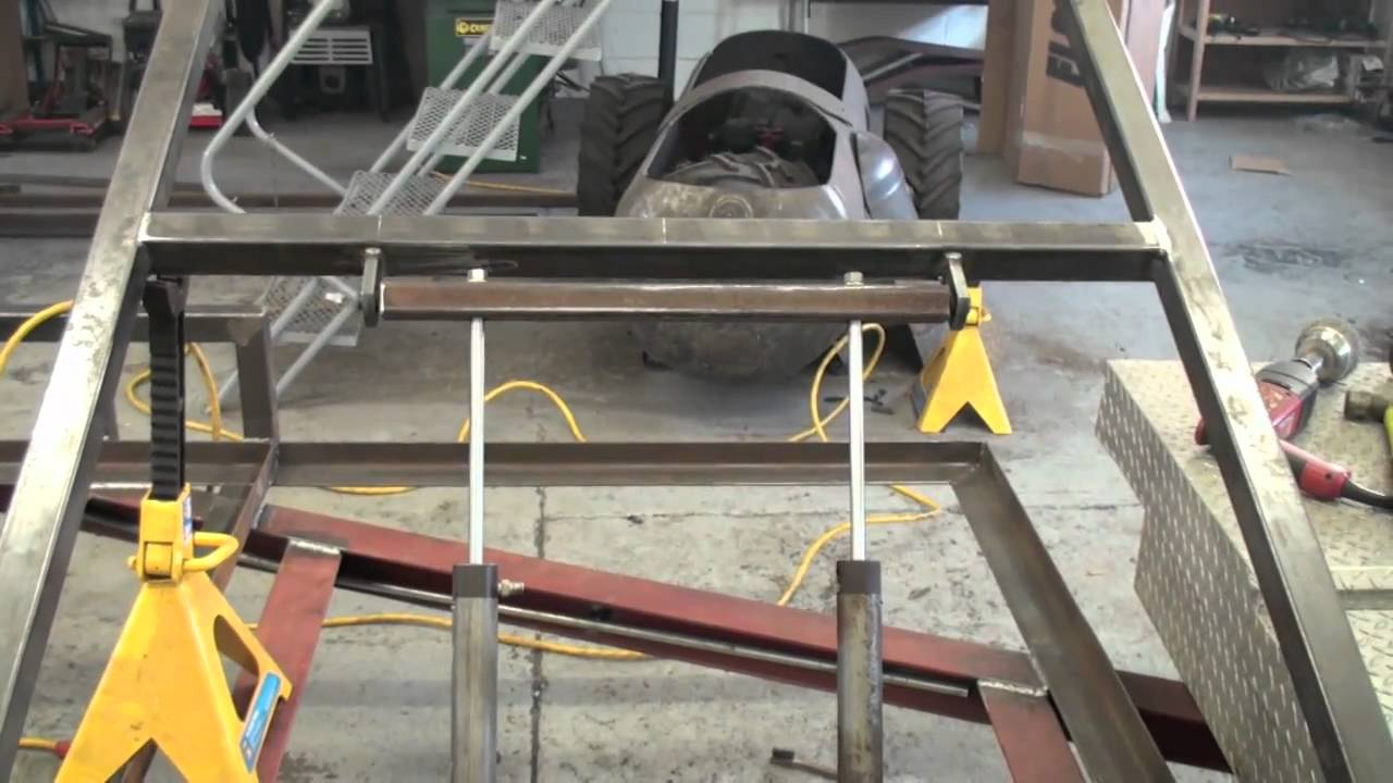 Fitting The Hydraulic Rams On The Trailer Youtube