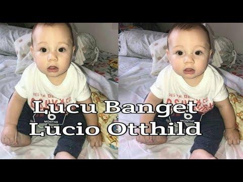 Lucio otthild lucu belajar jalan pakai kereta bayi