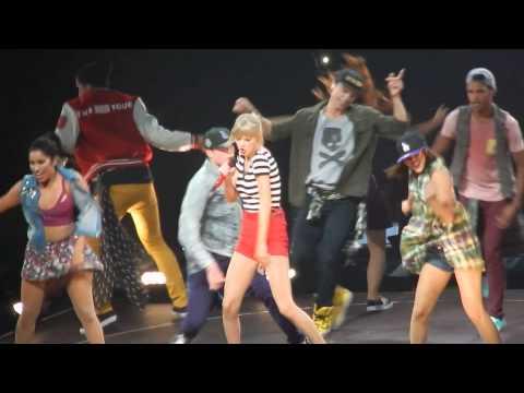 Taylor Swift - 22, Fargo, ND, 2013