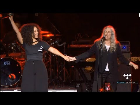 Alicia Keys ft. Patti Smith - Because The Night Live 2016