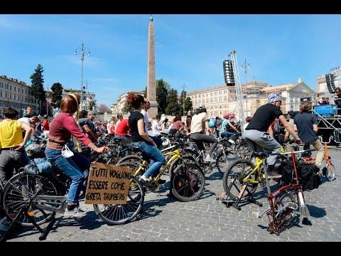 طلاب يولدون الكهرباء بالدراجات الهوائية في روما  - نشر قبل 2 ساعة