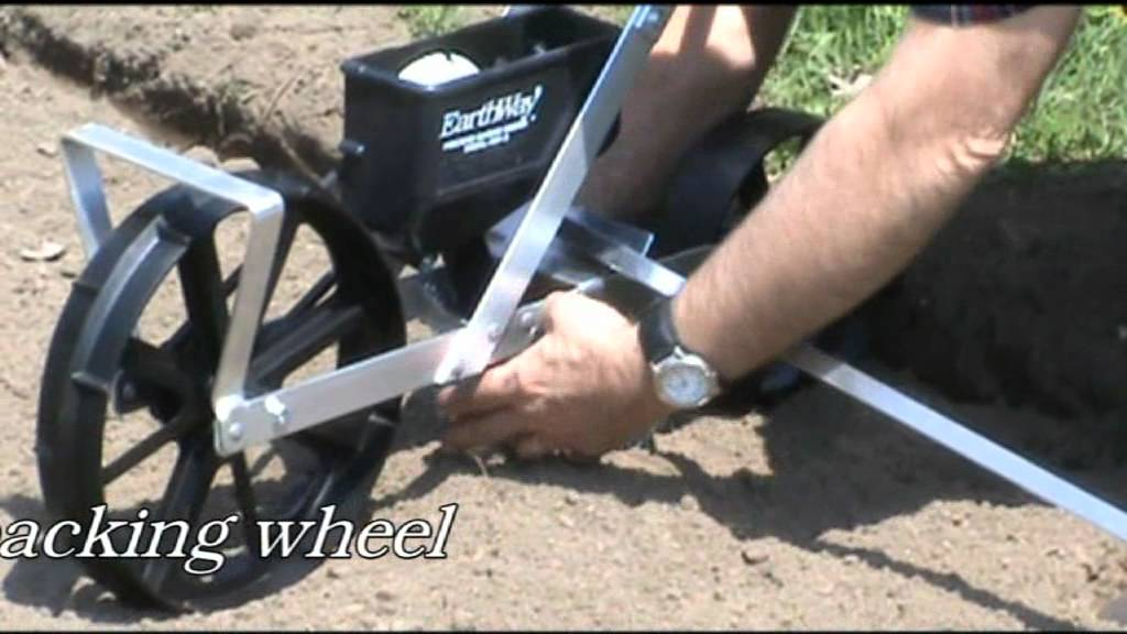 EarthWay Model 1001 B Precision Garden Seeder YouTube
