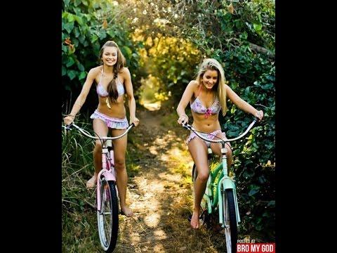 в девушки фото на велосипедах юбках
