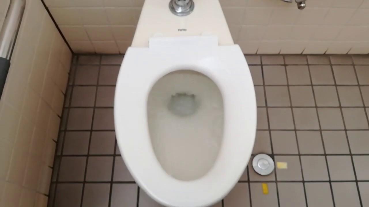 の トイレ 近く