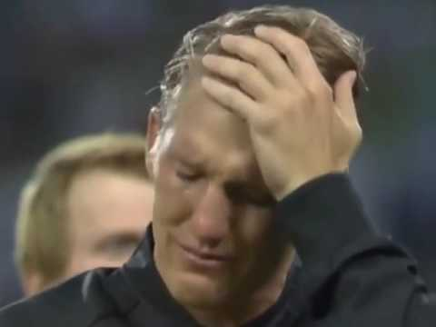 Real men cry! Bastian Schweinsteiger says goodbye to before his last Germany cap 👏 2016