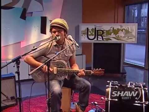 Blues Rocker Ash Grunwald on UR