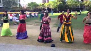 Download Video India Day 2013 - Ghagra/Dreamum/Badtameez dil MP3 3GP MP4