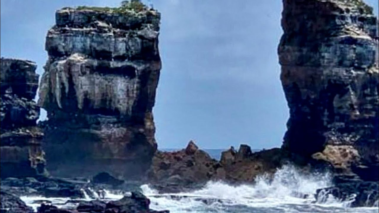 Famed Darwin's Arch collapses due to erosion in Galapagos Islands