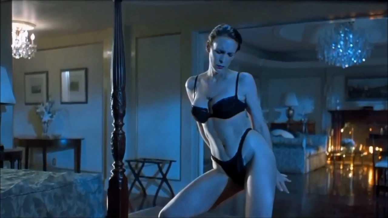 Jamie lee Curtis - big boobs - striptease - - YouTube