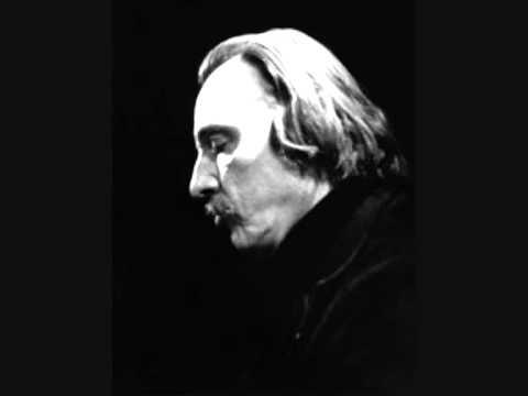 Arturo Benedetti Michelangeli - Schumann: Piano Concerto in A minor, Op. 54.